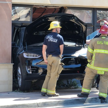 Car Crashes Through Restaurant on El Paseo