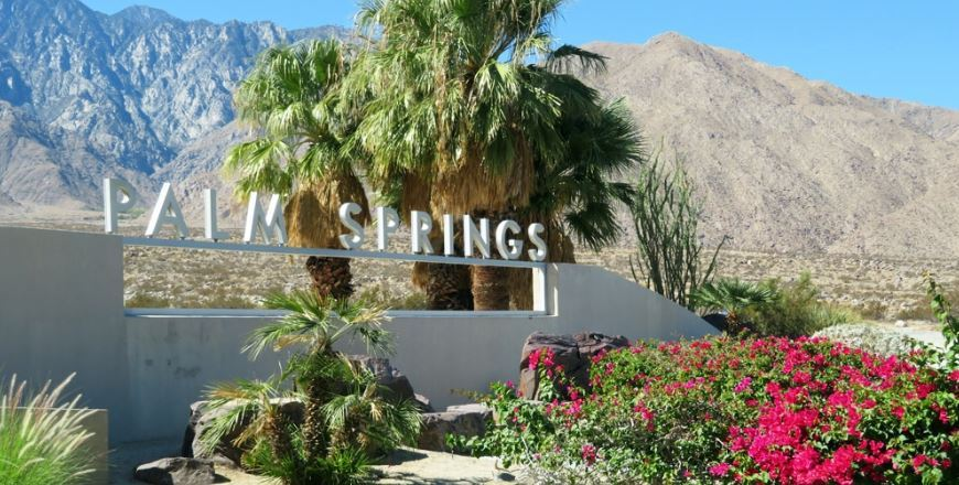 Palm Springs Closes All City Park Parking Lots