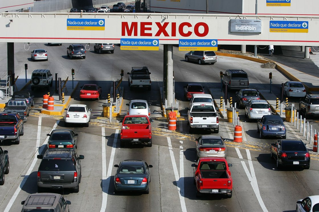 Trump administration set to limit non-essential travel between US and Mexico