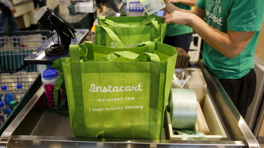 People are luring Instacart shoppers with big tips — and then changing them to zero