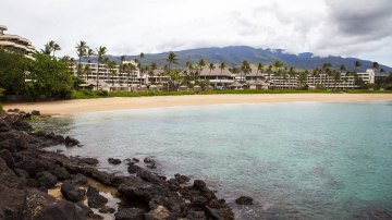 Breaking quarantine could mean prison time for tourists in Hawaii