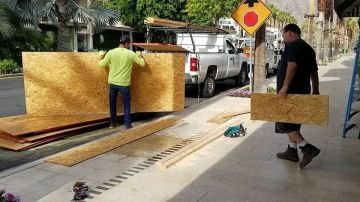 Palm Desert Businesses Clean Up After Boarding Up