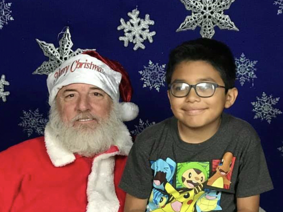 Family of Beloved DHS Santa in Need of Support After He Dies Unexpectedly
