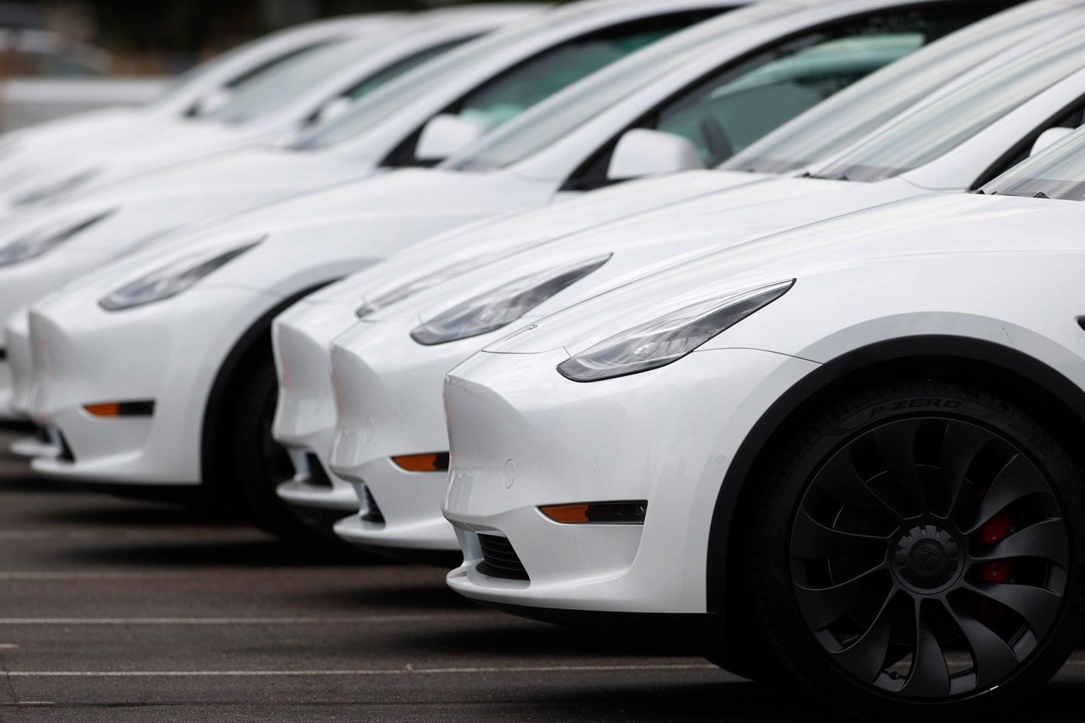 Tesla scraps plans for its bargain version of the Model Y