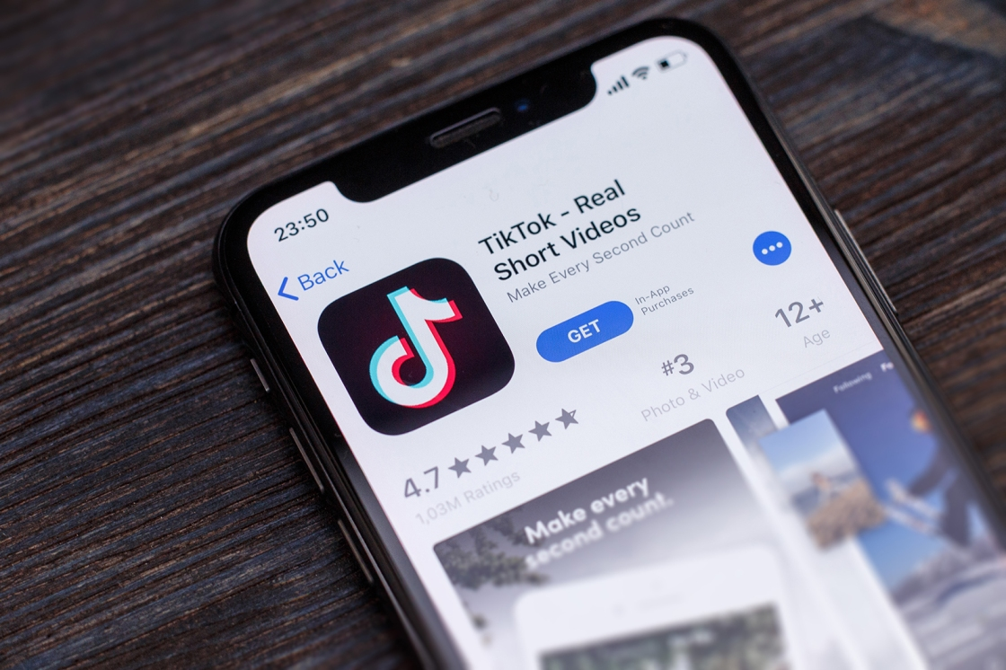 U.S. 'looking at' banning TikTok and other Chinese social media apps