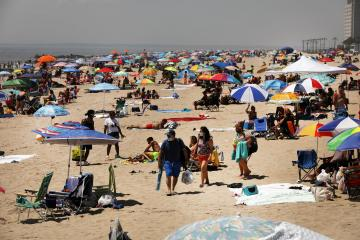 Dozens of heat records set to be broken this week as Western heat wave continues