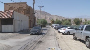 Castelli's Owner Pleads City of Palm Desert to Fix Alley