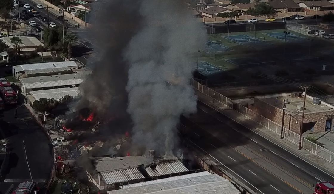 Multiple mobile homes catch fire in Indio