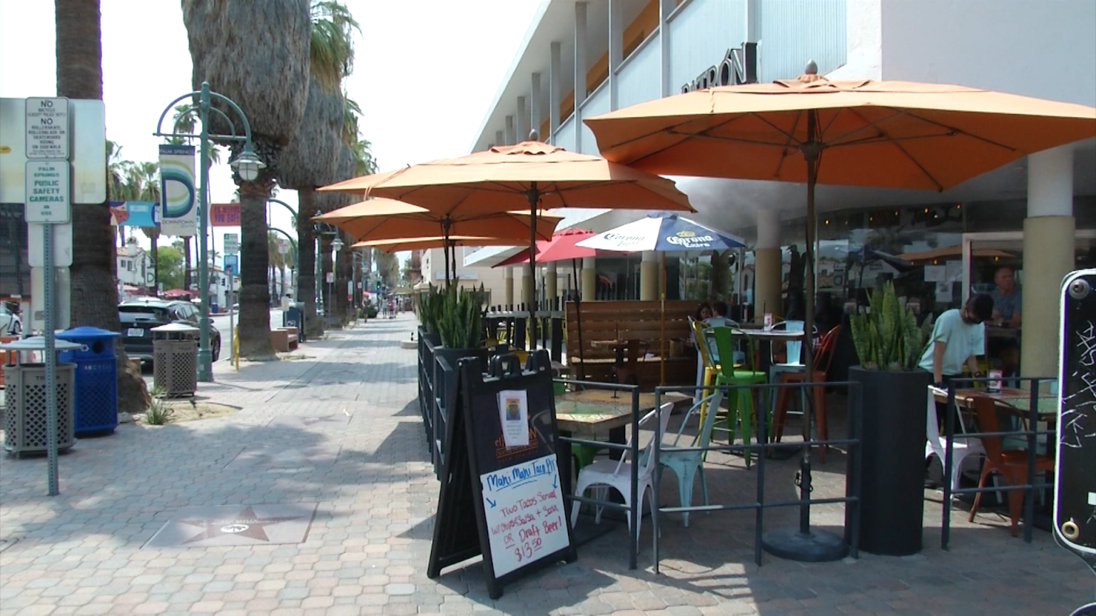Palm Springs restaurants, bars, wineries and breweries may now stay open until 2 a.m.