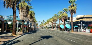 Palm Springs retailers suggest outdoor displays to help local businesses