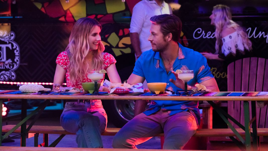"Emma Roberts and Luke Bracey Share ""Holidate"" Secrets"