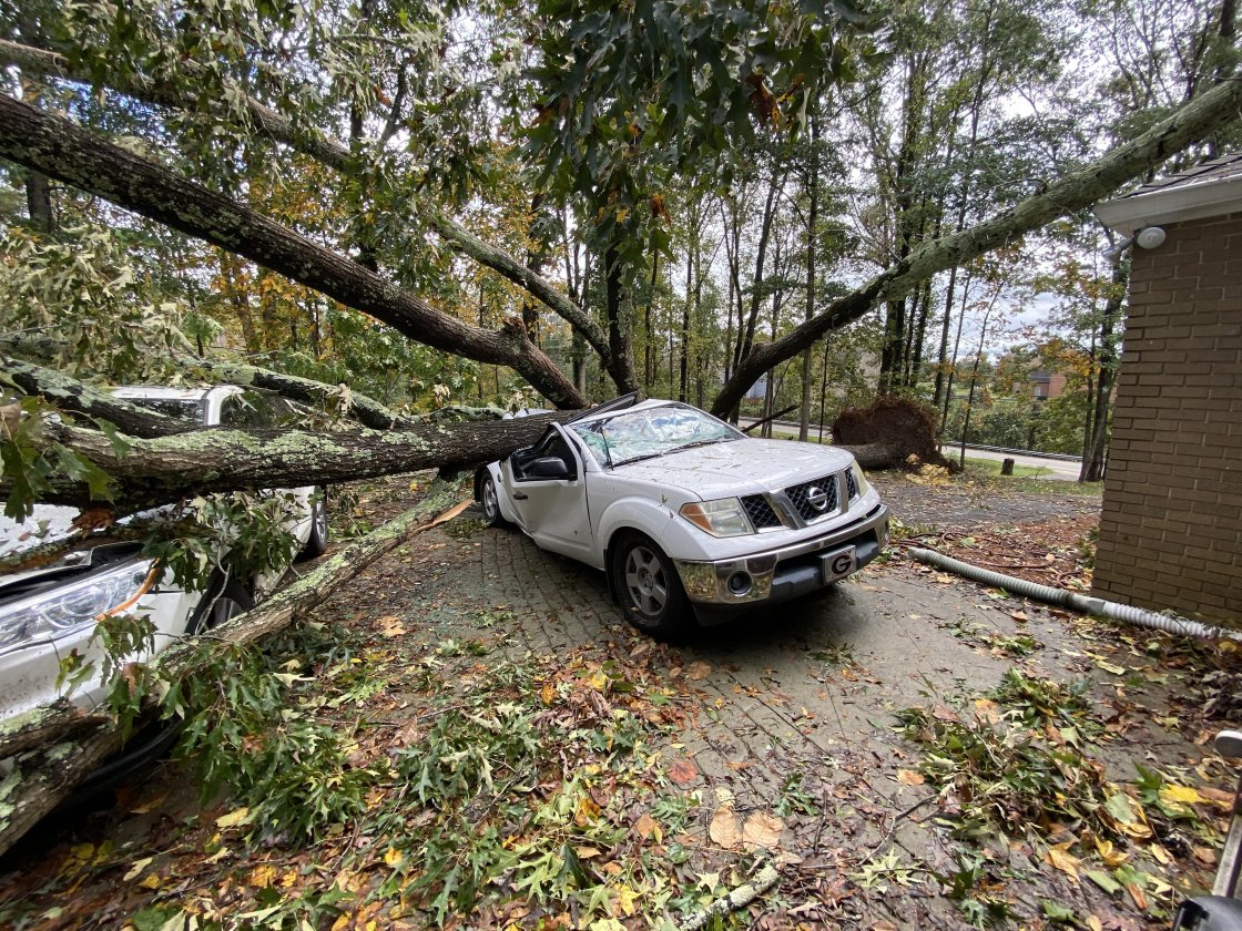 Zeta leaves over 2.1 million customers without power and at least 5 dead after battering Gulf Coast
