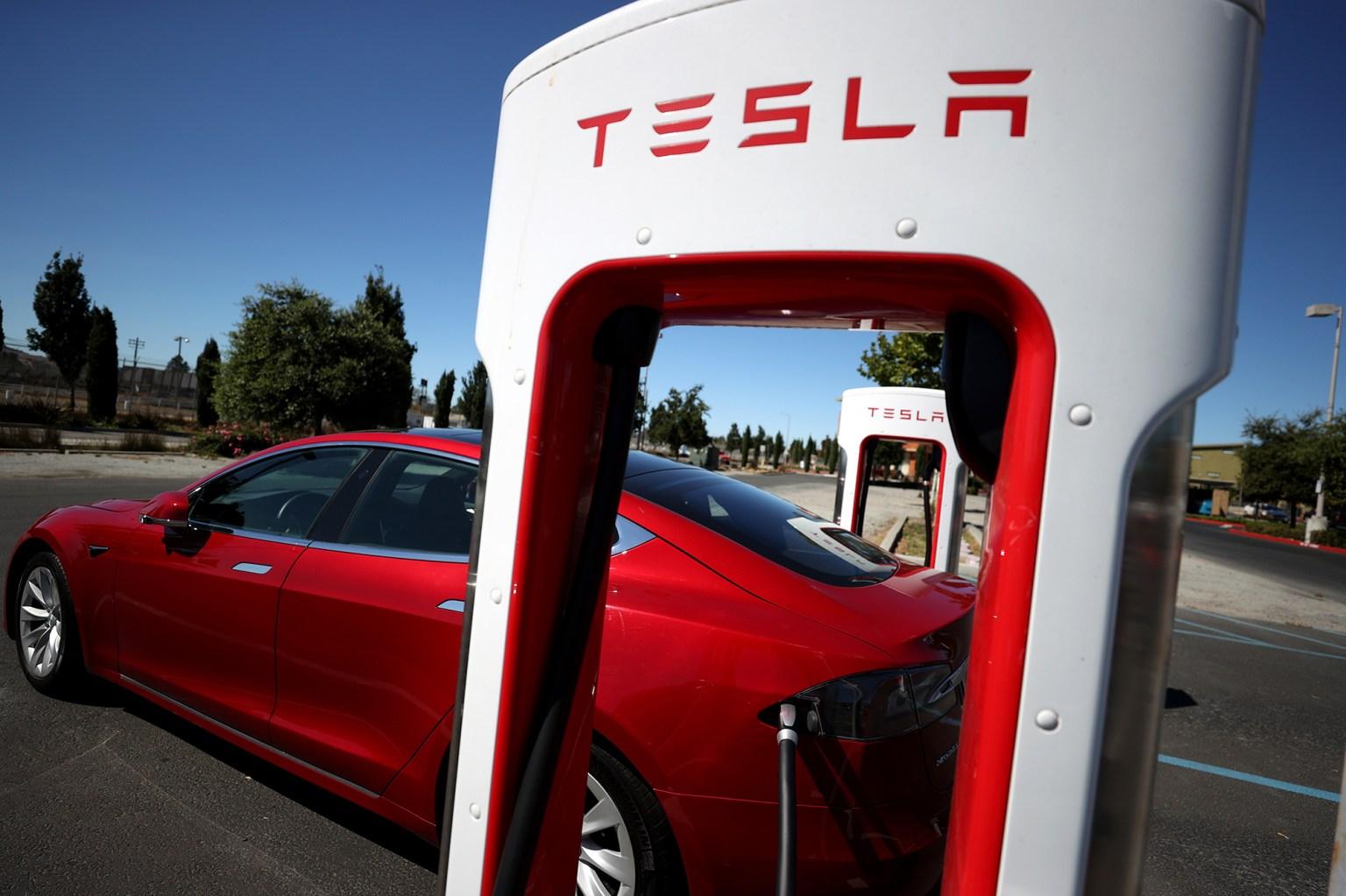 Tesla shares sink 7% despite record car sales