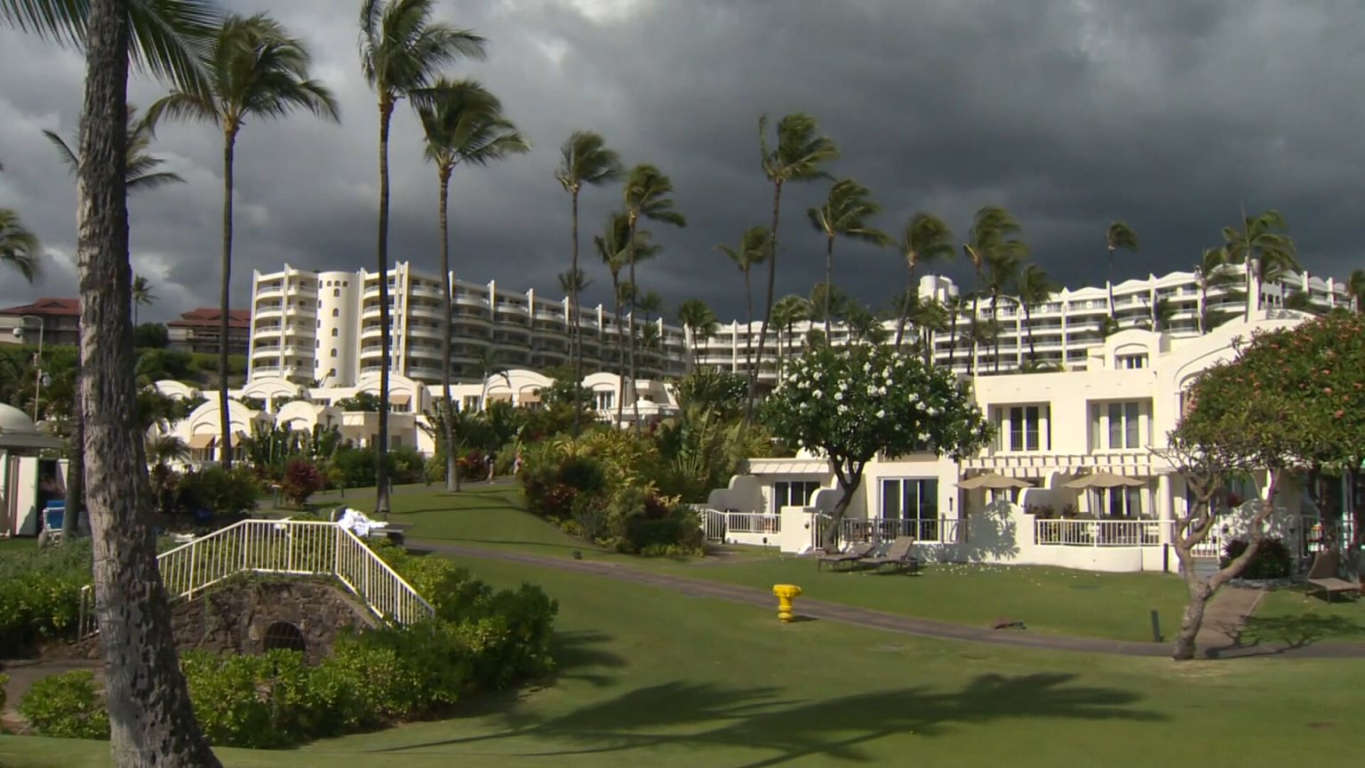 Lawmakers, Lobbyists Facing Criticism for Flying to Maui Conference Amid Pandemic