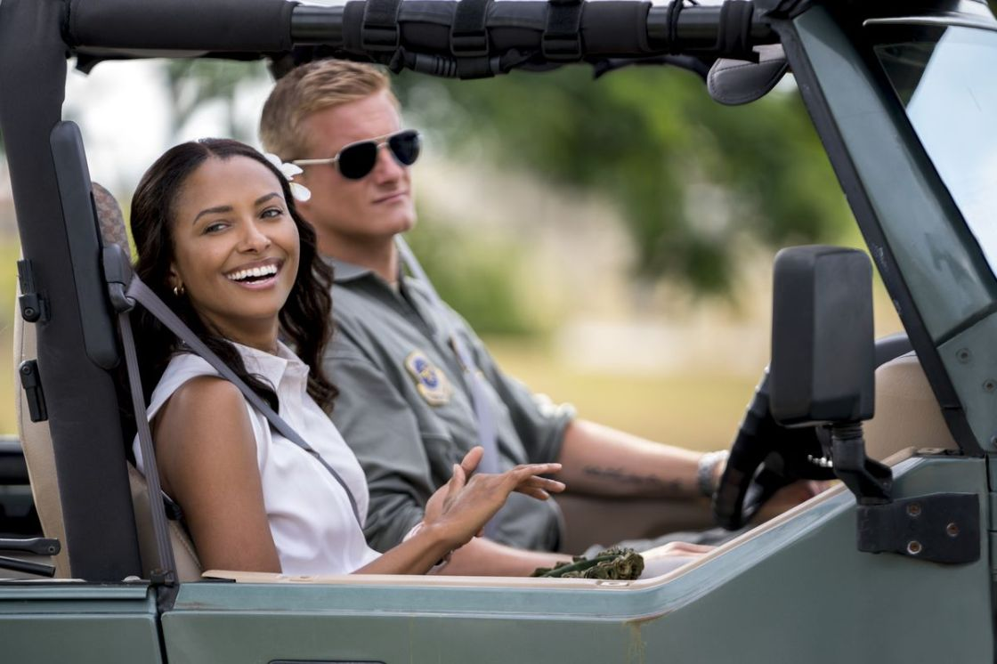 """Manny the Movie Guy Talks to Kat Graham About """"Operation Christmas Drop"""""""