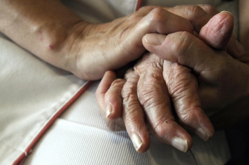 FDA could move closer to approving first new Alzheimer's drug in nearly 20 years