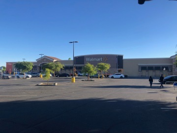 Walmart Supercenter in Indio Temporarily Closes for Cleaning