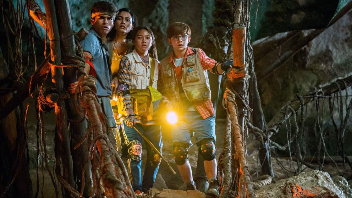 Treasure Hunting with Kea Peahu and Owen Vaccaro from FINDING 'OHANA