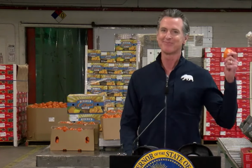 Newsom Visits Mobile Farmworker Vaccination Clinic in Coachella Valley