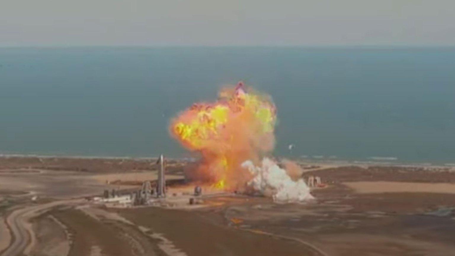 SpaceX Mars rocket prototype explodes on landing