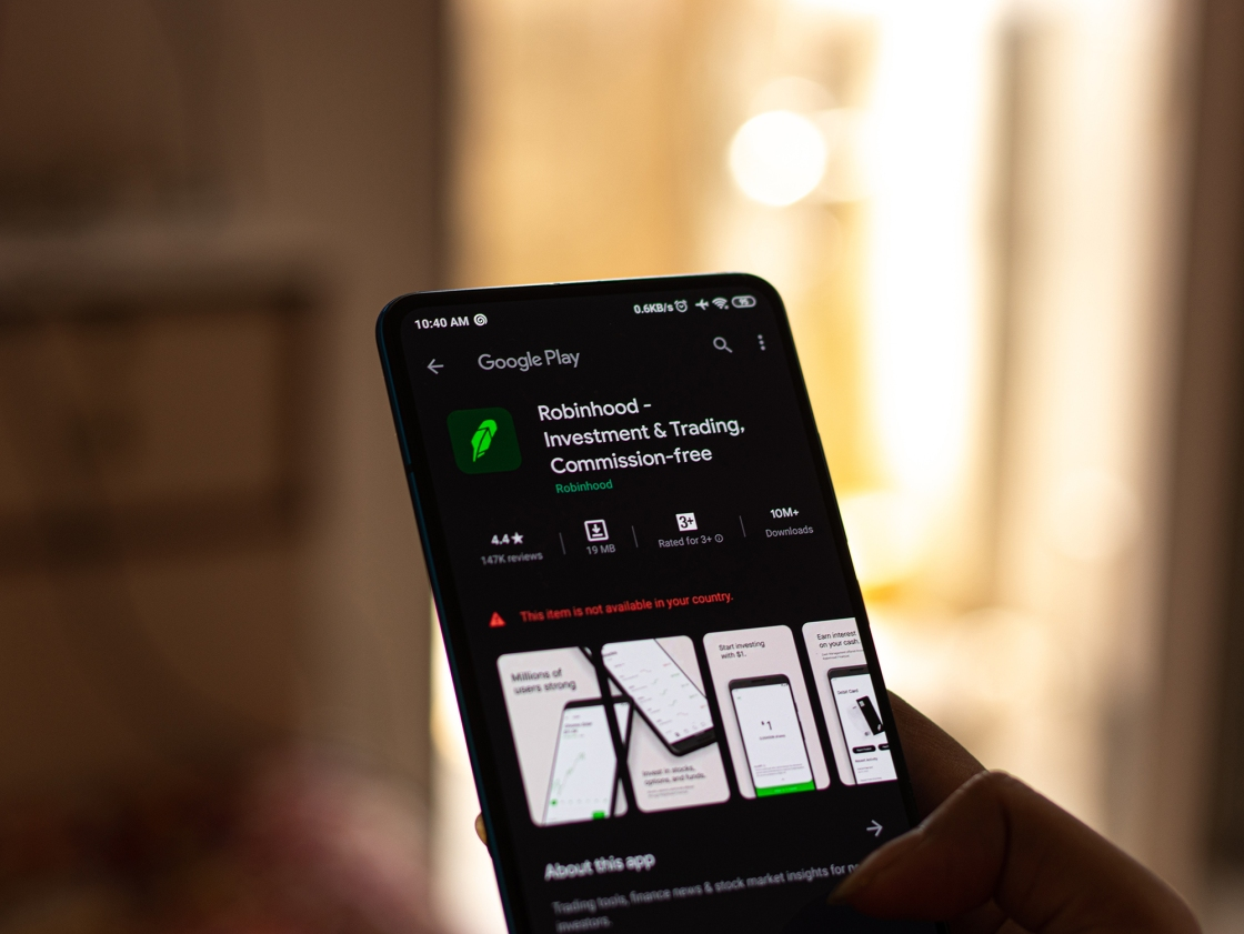 Robinhood being sued for wrongful death of 20-year-old