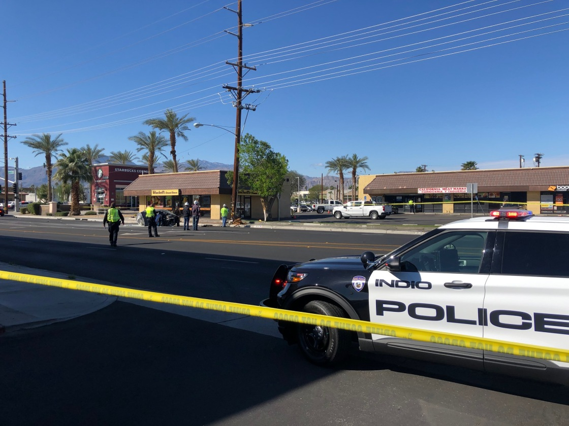 Traffic Alert: Indio car crash shuts down part of Monroe St.