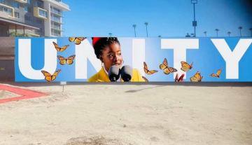 Amanda Gorman mural pops up in Palm Springs