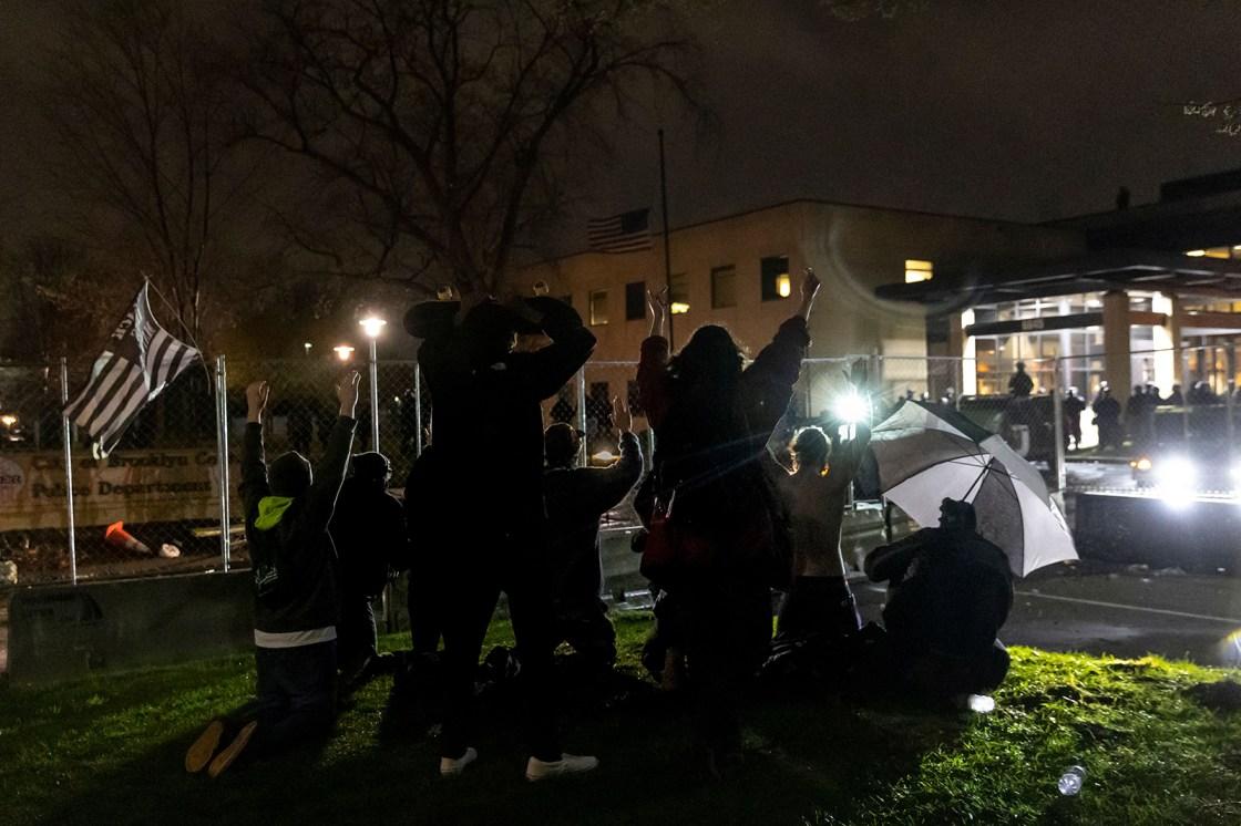 Officer who shot Daunte Wright has resigned, mayor says