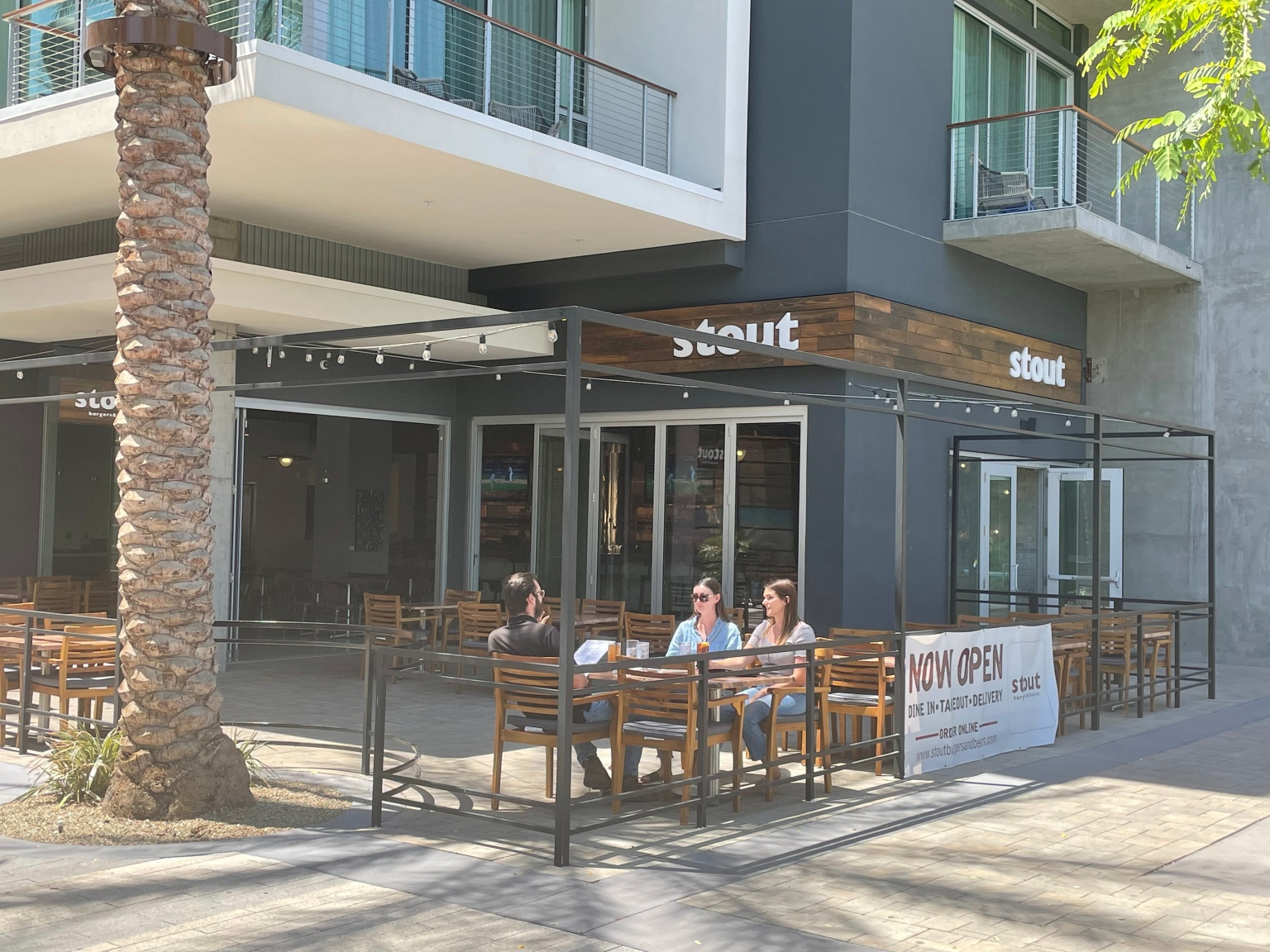 Palm Springs restaurant adds tax to cover employee healthcare cost