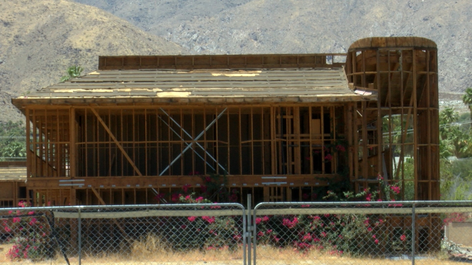 City Officials Move Forward With Palm Springs Hotel Demolition