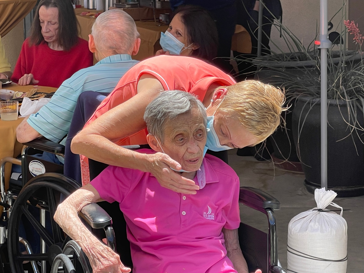 Once Off Limits, Assisted Living Hosts Post Pandemic Family Celebration