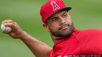 Dodgers sign former Angels slugger Albert Pujols to one-year deal