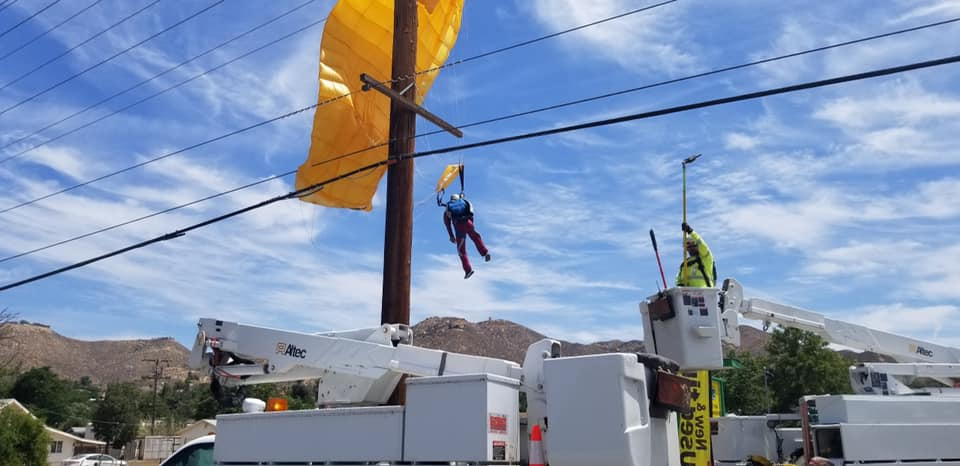 Parachuter Caught in Power Lines in Lake Elsinore
