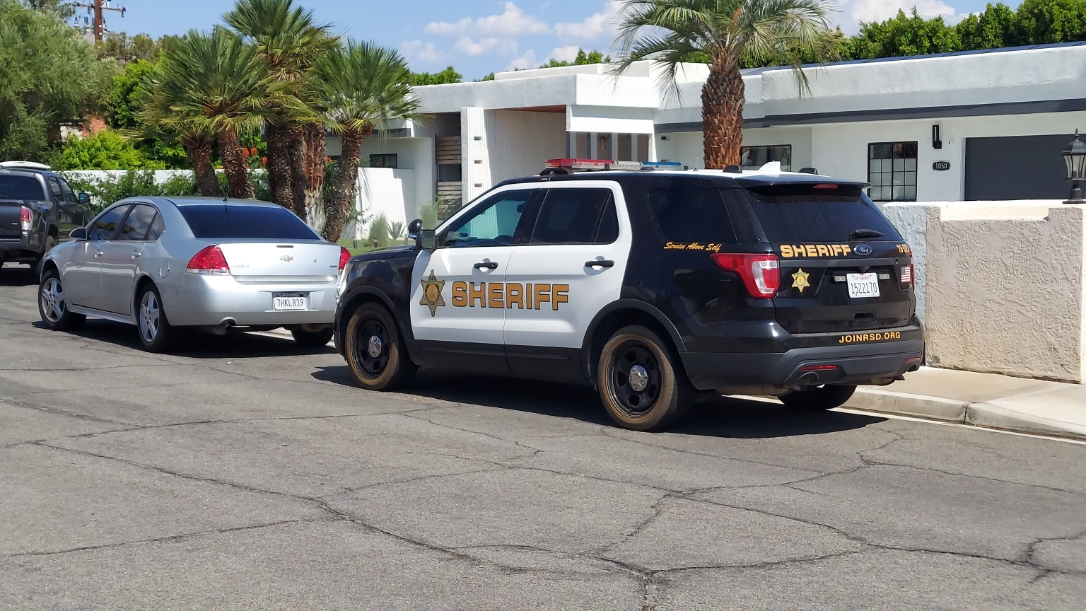 Suspected Drug Dealer, Four Others Arrested During FBI Raid in Palm Springs