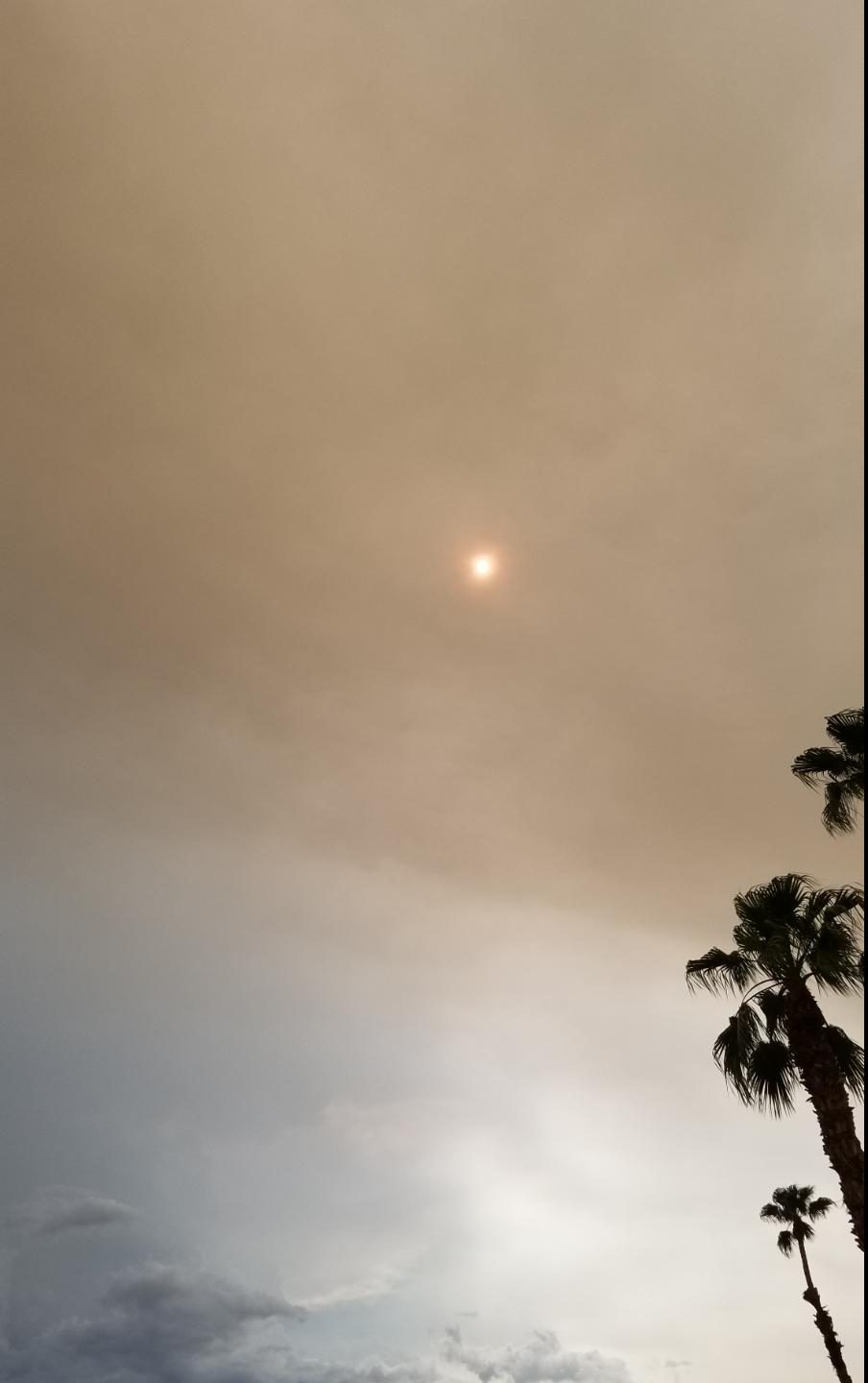 Smoke Layers Blot out Sun in Inland Empire